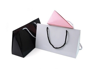 Portable Packaging Paper Box , Paper Merchandise Bags Custom Made Logo